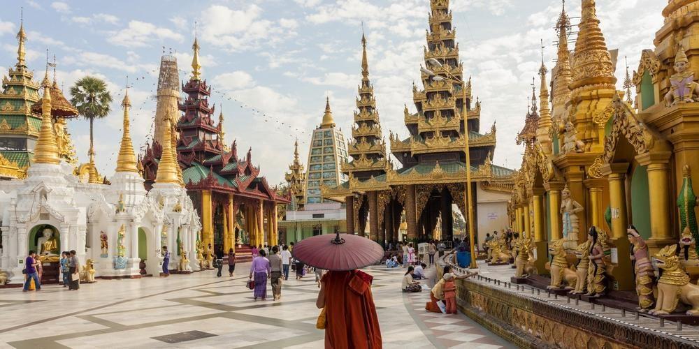 Tour East (Yangon, Myanmar)