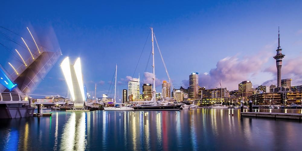 Tour East (Auckland, New Zealand)